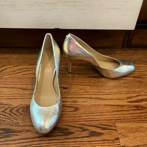 Michael Kors Gold Pump Size 8